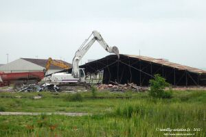 Destruction-hangar-8.jpg